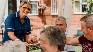 senior-care-home-nottingham-visitors-lidder-care